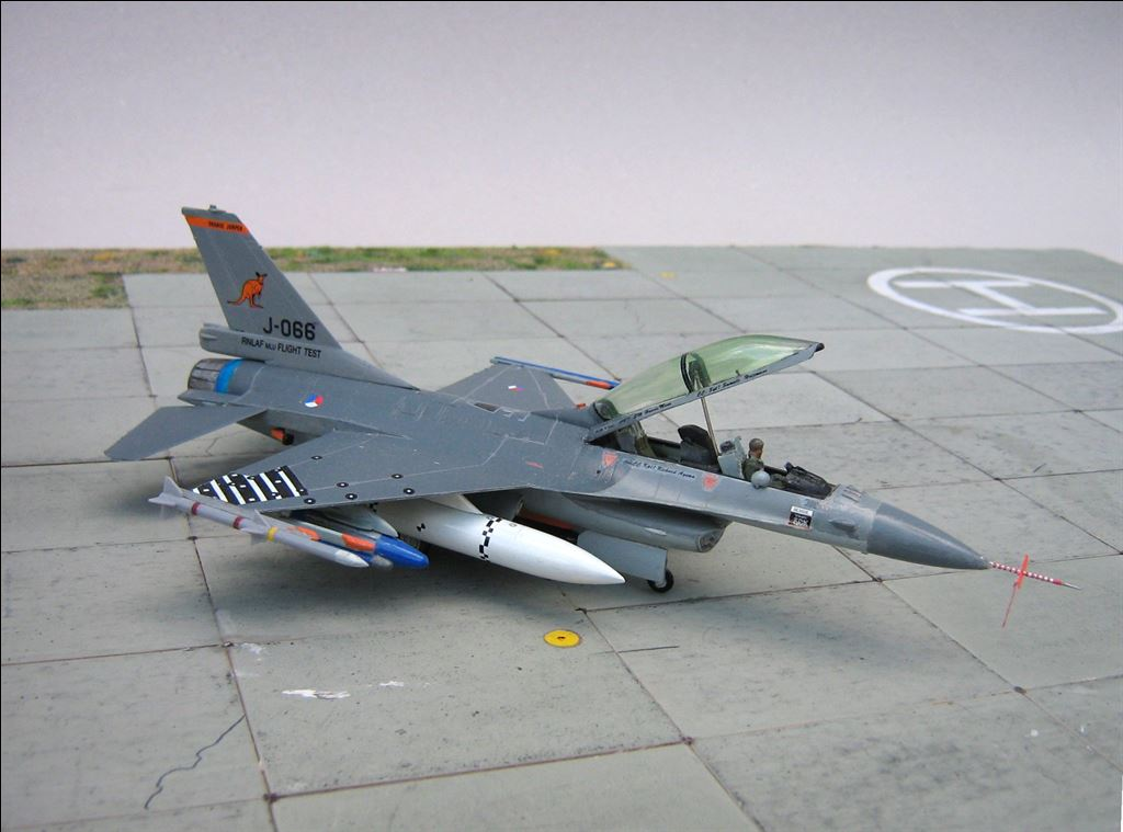 GD F 16 MB Orange Jumper AKleijn